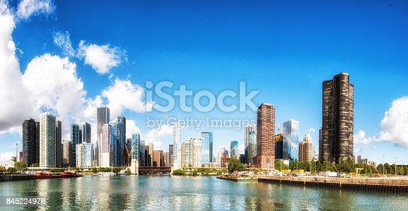 852738732istockphoto Cityscape Chicago Illinois, USA 845224976