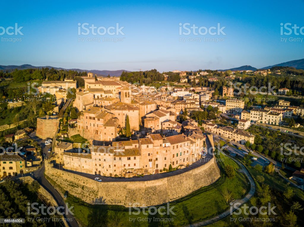 Cityscape of Anghiari in Tuscany from above, Italy foto de stock royalty-free