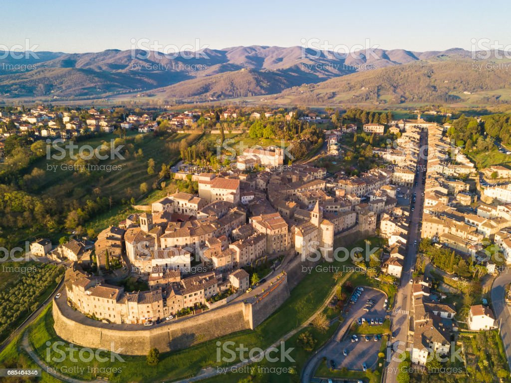 Cityscape of Anghiari in Tuscany from above, Italy - foto stock