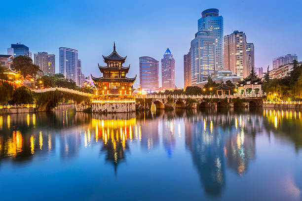 cityscape of guiyang at night - chinese cultuur stockfoto's en -beelden