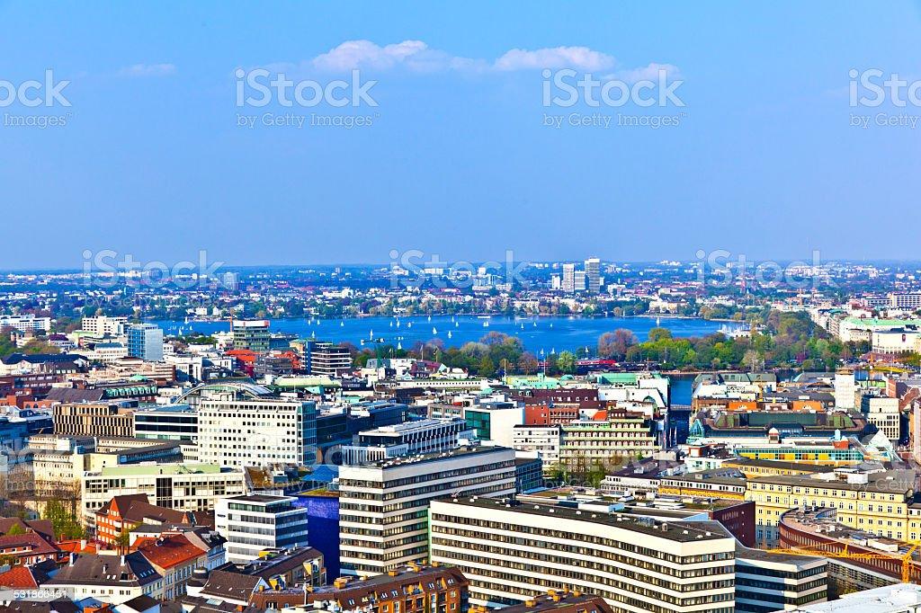 Skyline von Hamburg aus der berühmten tower Michaelis - Lizenzfrei 2015 Stock-Foto