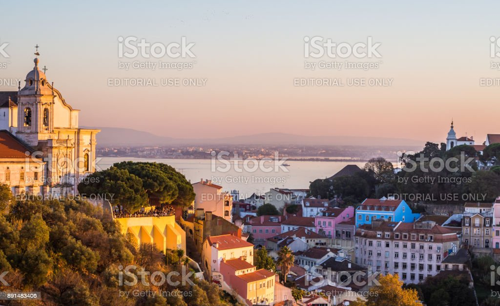 Cityscape of Lisbon, Portugal, at sunset - fotografia de stock
