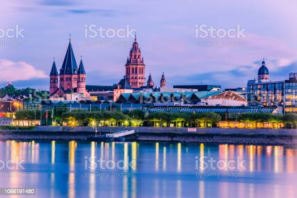 Photo of cityscape of Mainz in the blue hour with Mainzer Dom