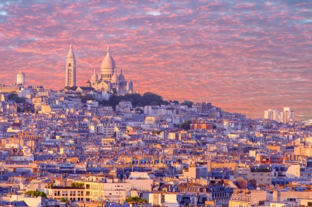 stadsbilden i paris av solnedgången - montmatre utsikt bildbanksfoton och bilder
