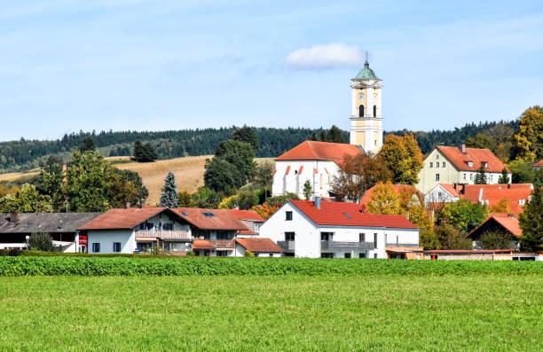 cityscape of the bavarian health resort bad birnbach in germany - ferragosto foto e immagini stock