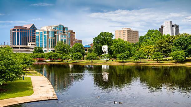 cityscape scene of downtown huntsville, alabama - alabama stok fotoğraflar ve resimler