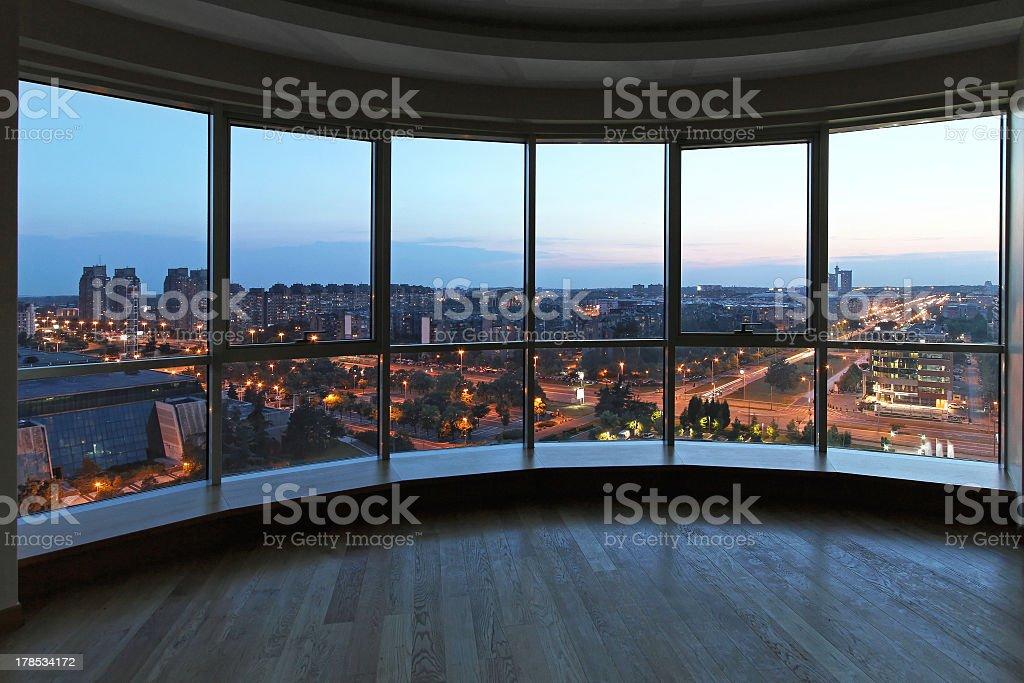 Paisagem urbana janela - foto de acervo