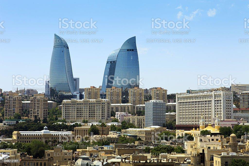 Stadtansicht mit Flamme Towers – Foto