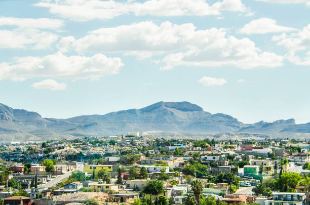 ciudad juárez in mexico cityscape or skyline, viewed from border - skyline mountains usa stock photos and pictures