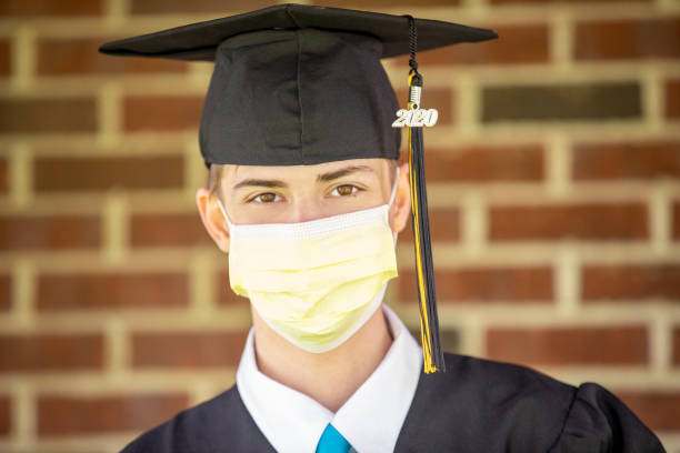class of 2020 grad wearing face mask - sdominick stock pictures, royalty-free photos & images
