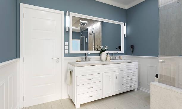klassische badezimmer mit waschung - wandspiegel weiß stock-fotos und bilder