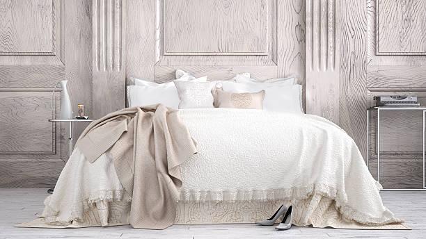 klassisches schlafzimmer - decke bettwäsche stock-fotos und bilder