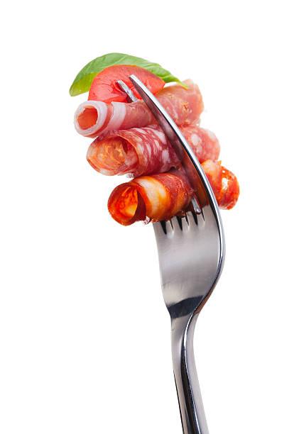 klassische kaltem fleisch tapas-auswahl - salami vorspeise stock-fotos und bilder