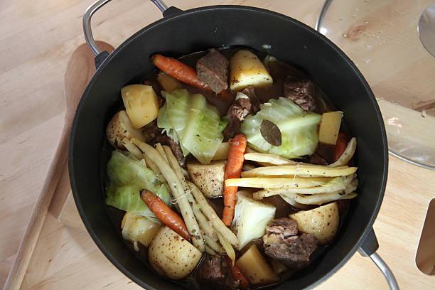 Klassische französische Kanadische Gericht: Rindfleisch und Gemüse