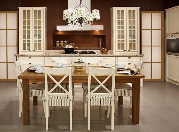 ausgestattete küche - landküche stock-fotos und bilder