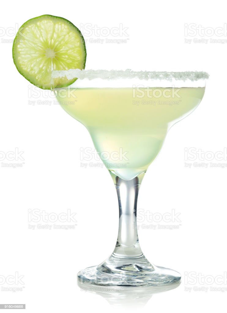 Classic margarita cocktail with lime – zdjęcie