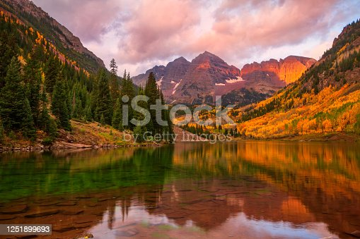 istock Classic Maroon Bells Fall landscape scene 1251899693