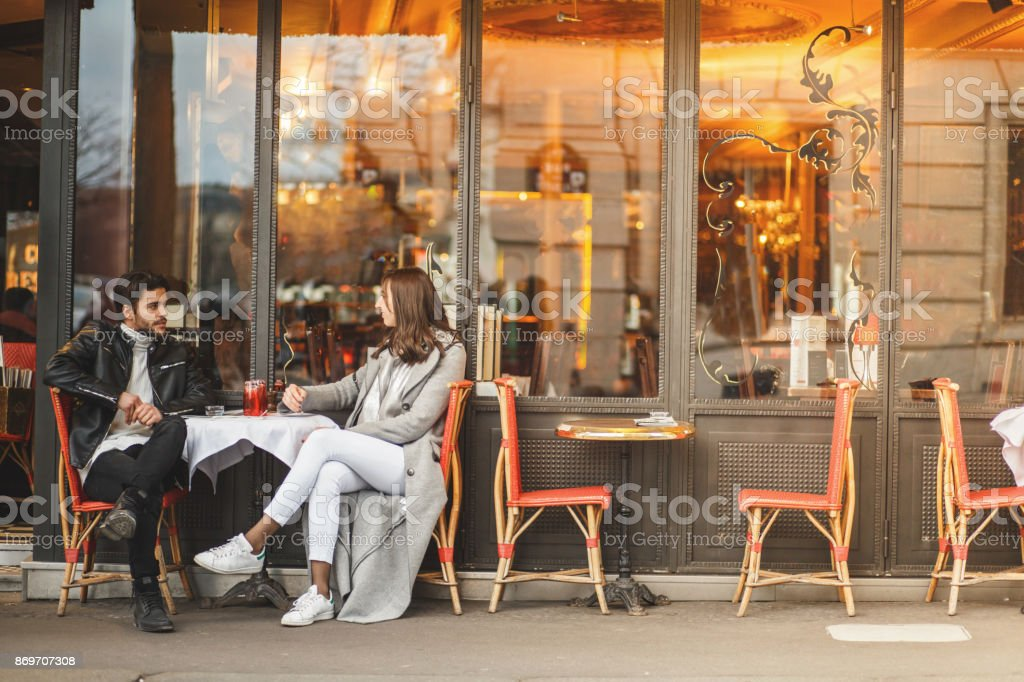 A classic Parisian cafe - foto stock