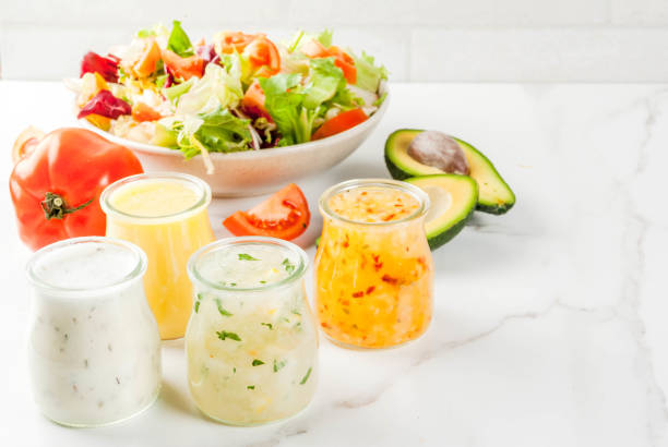 klassische salat-dressings - italienische dressing mischung stock-fotos und bilder