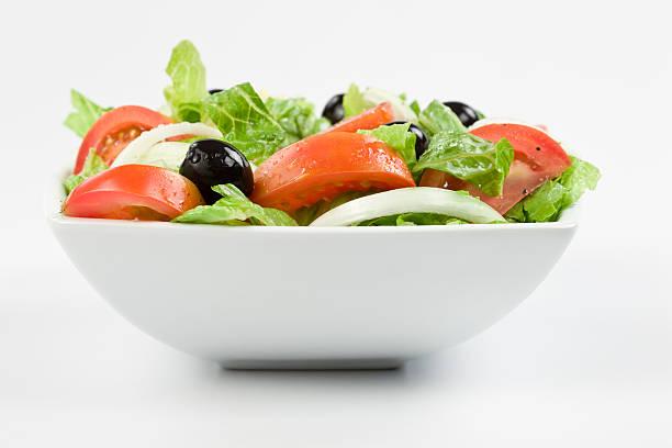 salade classique - saladier photos et images de collection