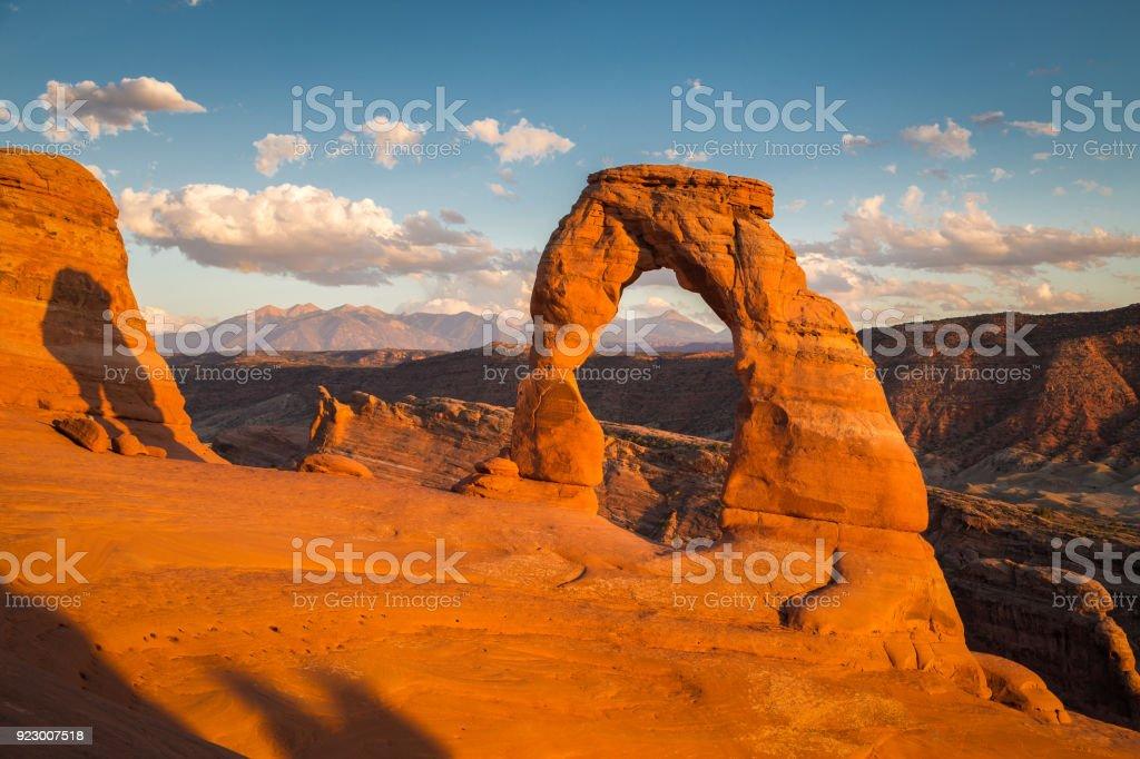 Klassische Ansicht des berühmten Delicate Arch bei Sonnenuntergang, Utah, USA – Foto