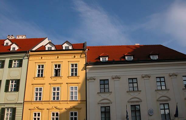 klassische gebäude architektur. - bratislava hotel stock-fotos und bilder