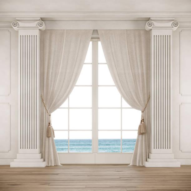 kamer in klassieke stijl met groot raam, gordijnen en zuilen. - boog architectonisch element stockfoto's en -beelden