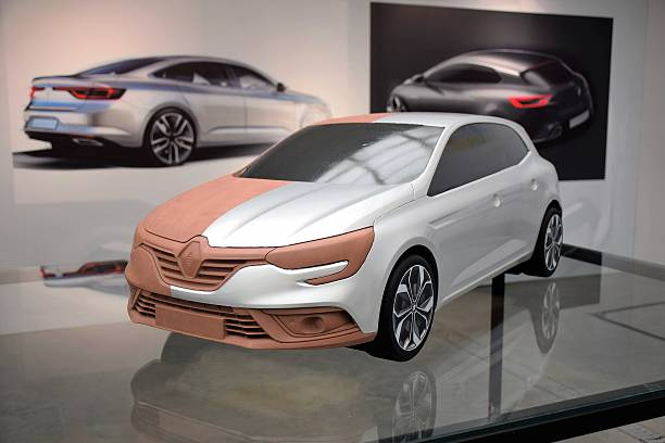 clay model of the new car - skulpturprojekte stock-fotos und bilder