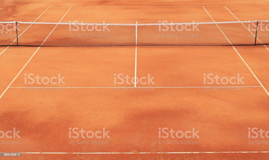 Cancha de tenis con la red - foto de stock