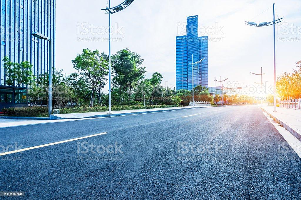 clean asphalt road  – Foto