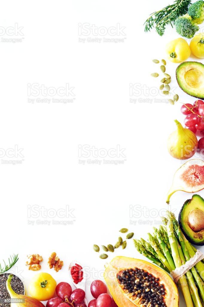 Sauber Essen oder rohe Ernährung essen vertikale Hintergrund mit einem Leerzeichen kopieren. – Foto