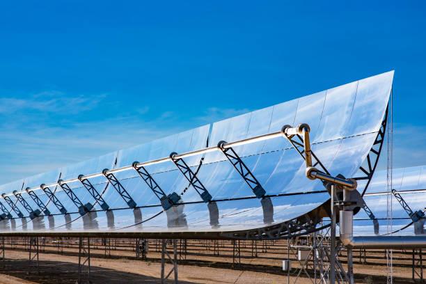 l'énergie propre pour un monde meilleur - concave photos et images de collection