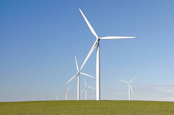 clean green wind energy - windmolen stockfoto's en -beelden