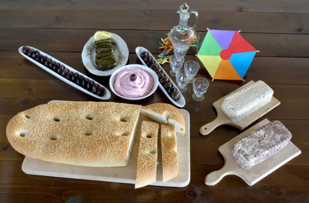 sauberen montag fasten food konzept - taramosalata stock-fotos und bilder