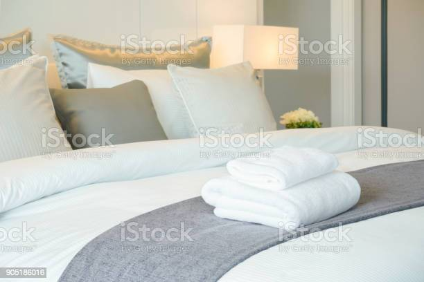 Clean towels on bed at hotel room picture id905186016?b=1&k=6&m=905186016&s=612x612&h=rsw0joqhrhgtkjrquefhurjfbnm93fr4msz4ipv7csy=