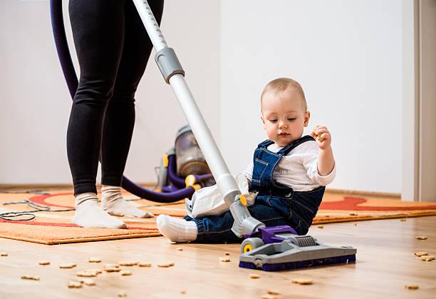 Reinigung home-Mutter und Kind – Foto
