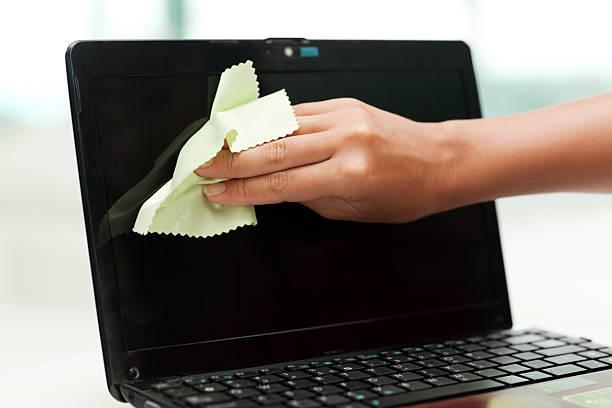 Reinigung Netbook Bildschirm – Foto