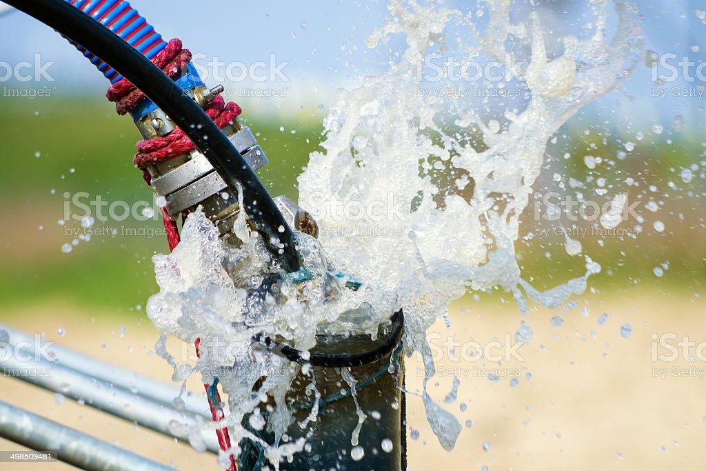 Reinigung neu erbaute Wasser bore oder gut mit Luftkompressor – Foto