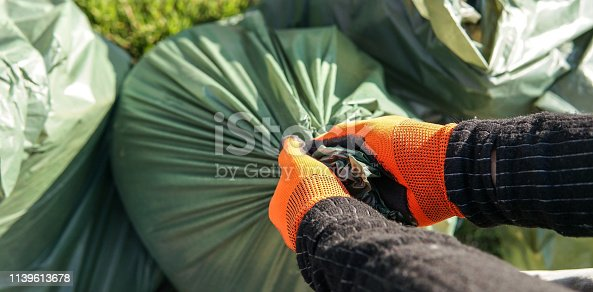 istock Cleaning planet 1139613678