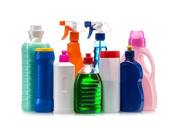 청소 제품 플라스틱 용기에 하우스 깨끗하다 - 독성 물질 뉴스 사진 이미지