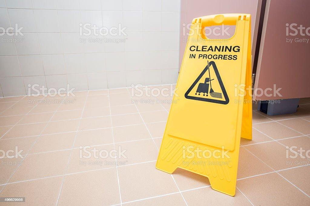 Attenzione pavimento bagnatou youtube