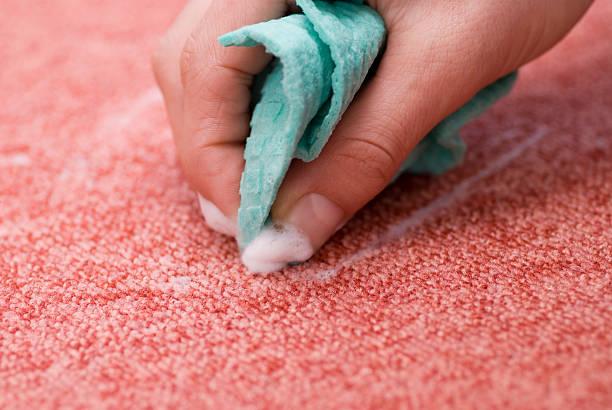 Reinigung roten Teppich-Fleck entfernen – Foto