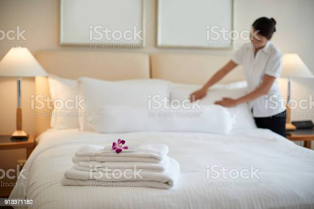Cleaning room picture id913371182?b=1&k=6&m=913371182&s=612x612&h=b1tqfie5cshk apyjrzxozlv8lq9ratkge4hepp8mbs=