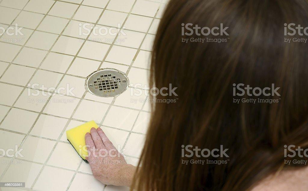 Reinigung Dusche mit durchkämmen pad - Lizenzfrei Abbürsten Stock-Foto
