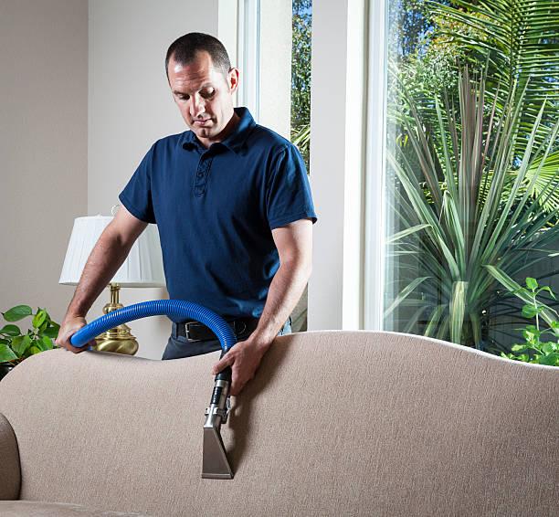 reinigen sofa - dampfreiniger fenster stock-fotos und bilder