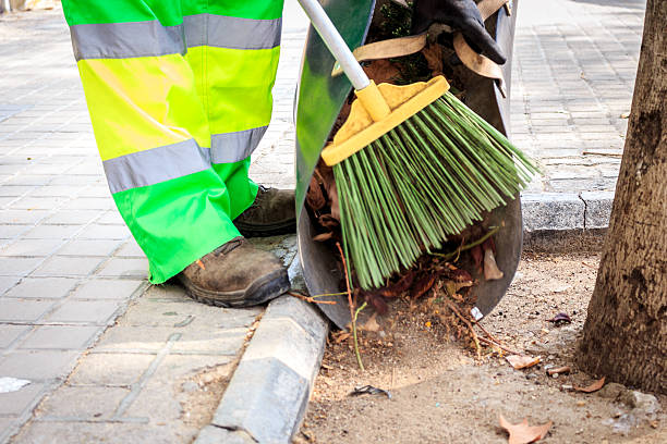 Cleaning streets during autumn time – Foto