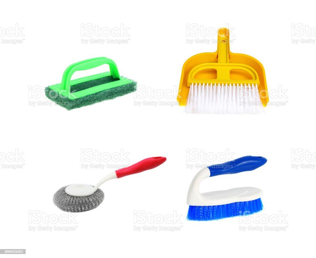 Reinigung von Werkzeugen auf weißem Hintergrund - Lizenzfrei Ausrüstung und Geräte Stock-Foto