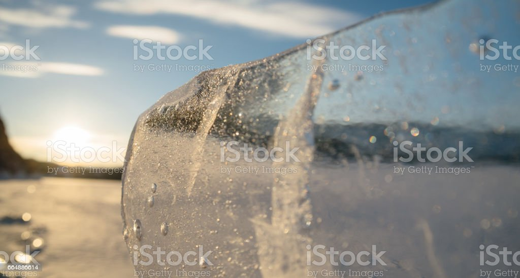 Clear and clear ice on the lake. foto stock royalty-free