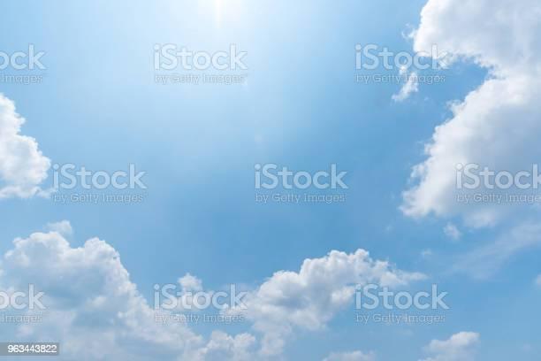 Jasne Błękitne Niebo Tło Chmury Z Tłem - zdjęcia stockowe i więcej obrazów Bez ludzi