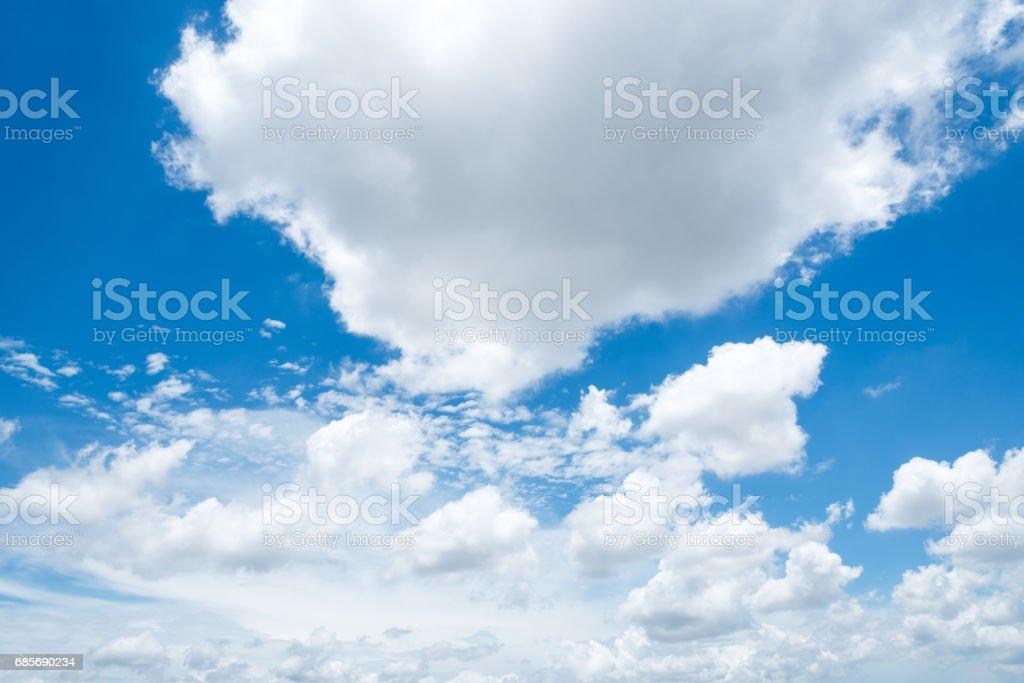 湛藍的天空,雲與背景 免版稅 stock photo